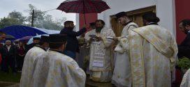 Освећење храма и Света Архијерејска Литургија у Међуречју код Ивањице